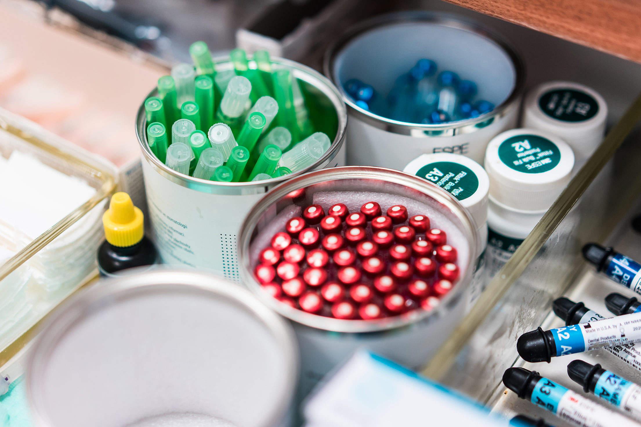 Cuidar do armazenamento de produtos odontológicos dentro da gestão de estoque é importante